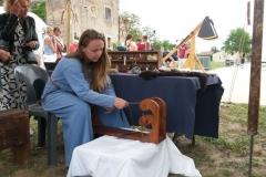 Fabrication d'objets du quotidien en laine et tissu